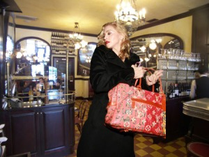 madonna-cafe-figaro-louis-vuitton-ads-1
