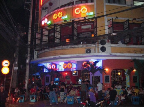 3929895-GO2_BAR_Ho_Chi_Minh_City
