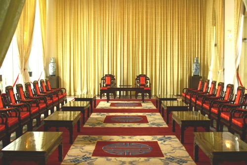Reunification_Palace_-_Vice-Presidents_reception_room_1